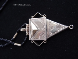 T 36 Toeareg ketting / Tuareg necklace