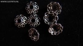 K2 kralenkap bloem antiek zilver 9.5 mm (15 stuks)