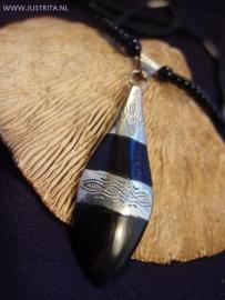 T 43 Zilver en ebbenhout hanger / Silver and ebony pendant