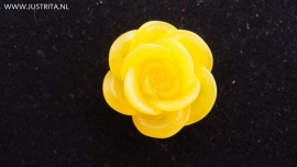 Resin cabochon roos geel 18mm