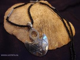 T 51 Toeareg zilveren amulet / Tuareg silver amulet