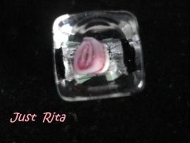 Vierkant met roze roosje