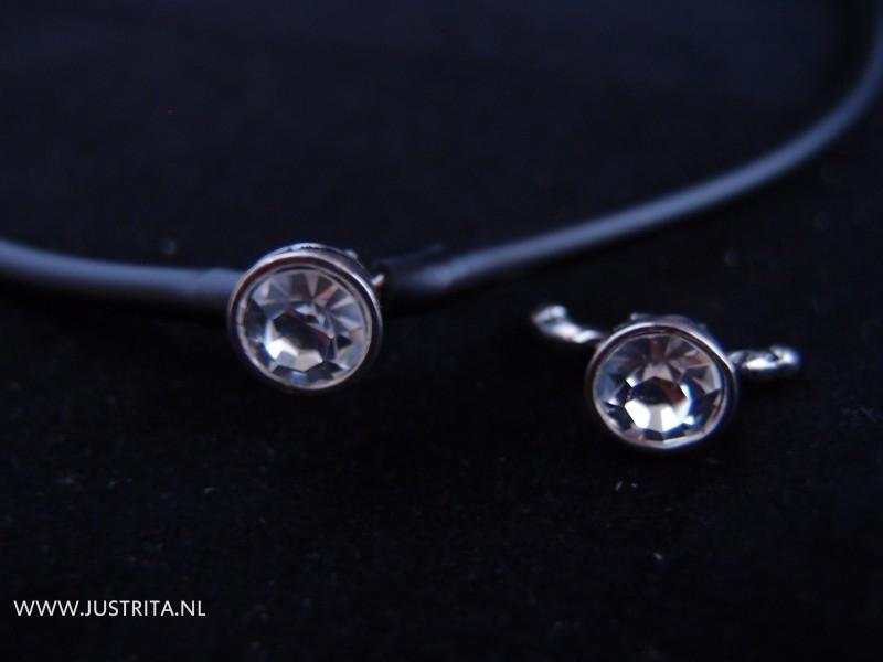Sluiting voor hol rubberkoord 4mm met kristal