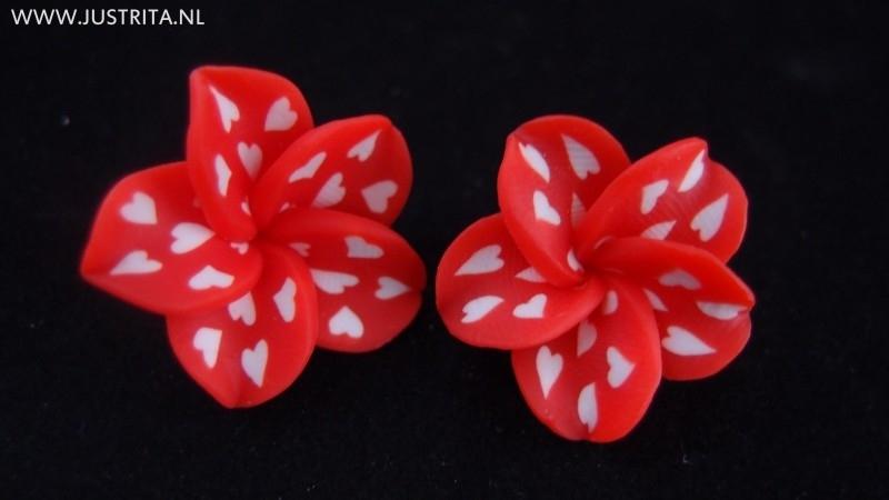 Fimo bloem roos met witte hartjes (3 stuks)