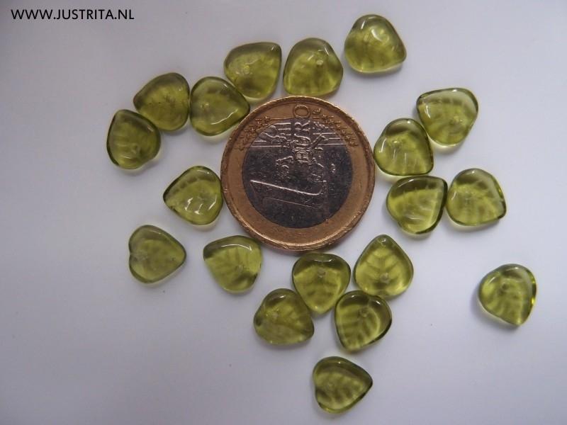 Cbla03 peridot groen blaadje 9 x 9 x 3 (40 stuks)