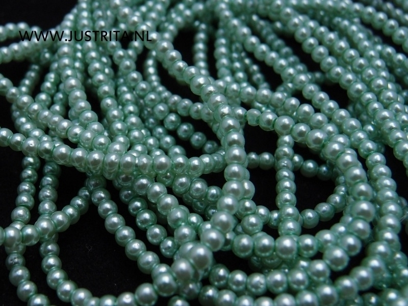 Glasparels 3 mm zacht groen per streng