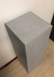 Zuil betonlook grijs 80 cm, voor binnen of buiten