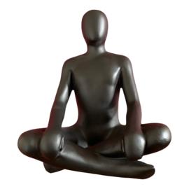 Sculptuur man zittend fiberstone voor binnen en buiten