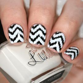Lina - Stamping polish - White Knight