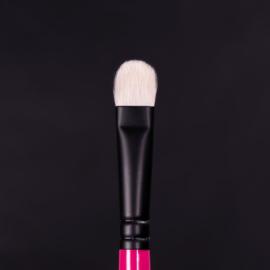 Whats Up Beauty - R106. Flat Shader Eyeshadow Brush
