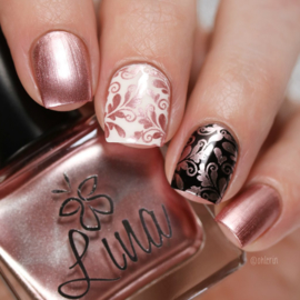 Lina - Stamping polish - Into the wild