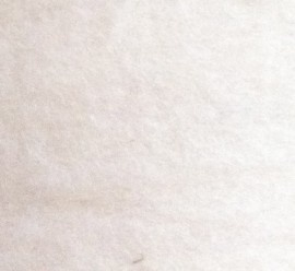 Nieuw Berg schaap, in vlies, ecru, per 1kilo ca. 140 breed ca. 250-350 lang 30-32 micron