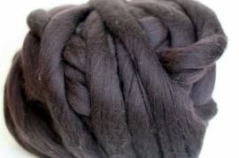 Merinowol (50 gram), diepbruin, kleurcode 140, 20-21 micron