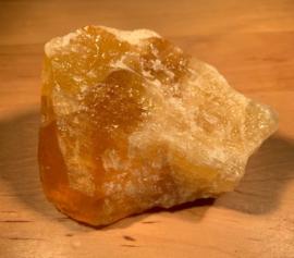 Oranje calciet ruw, nummer 1, 199 gram