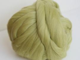 Merinowol (50 gram), meloen groen, kleurcode 151, 20-21 micron