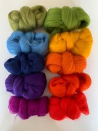 Merinowol kleur set: Regenboog 10x  ongeveer 10 gram merinowol 20-21 micron Kleur nrs. 100-102-105-122-123-131-149-154-156-167