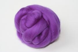 Merinowol (50 gram), donker lila, kleurcode  232 extra fijn, 18 micron