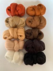 Merinowol kleur set: Diertjes 10x  ongeveer 10 gram merinowol 20-21 micron Kleur nrs. 1118-110-116-117-135-140-141-142-143-168