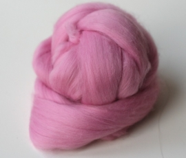 Merinowol (50 gram), licht rose, kleurcode 221 extra fijn, 18 micron