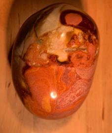 Polychroom jaspis, nummer 8, 219 gram