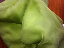Chiffon zijde 3.5, appeltjes groen, 110 breed, per meter, 14g/m, prijs