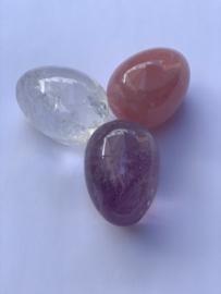 Gouden driehoek ei-vorm: Amethist, bergkristal en rozenkwarts, nummer 1