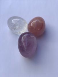 AA kwaliteit: Gouden driehoek fijn geslepen 5 x3cm: Amethist, bergkristal en rozenkwarts, nummer 4