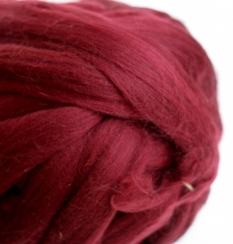 Merinowol (50 gram), wijnrood, kleurcode 121, 20-21 micron