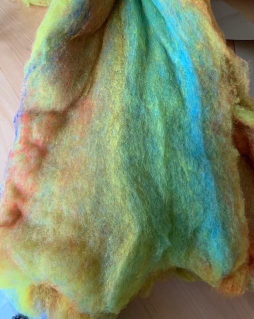 Merino wol in vlies 21 micron, multi per ongeveer  500 gram 1x1 meter
