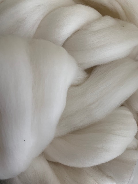 Merinowol (50 gram), ecru natuur wit, 18 micron extra fijn, per 500 gram