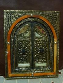 luxe spiegel met beenderen en deur 3