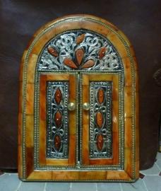luxe spiegel met beenderen en deur 4 verkocht