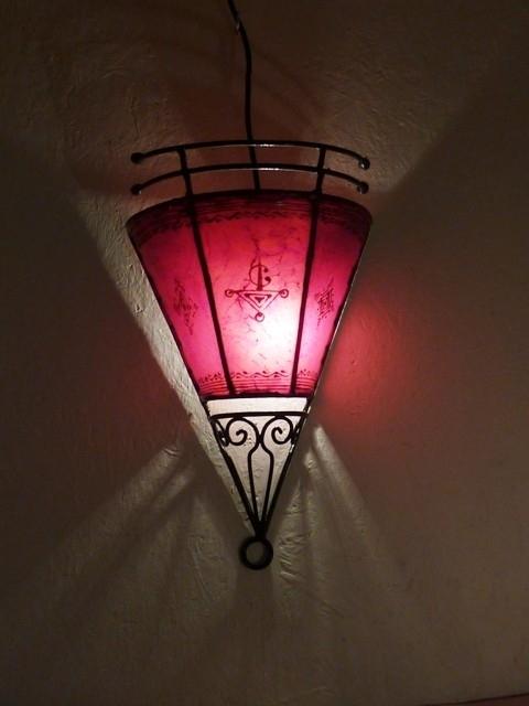 Wandlamp piramide rood
