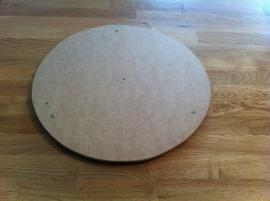 taartplaat van hout  voor onder de bedankjes taart