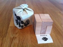 houten denkspel incl bewaarzakje