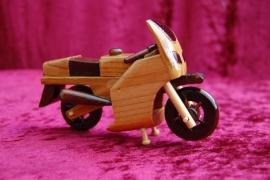 houten motor groter model laatste model