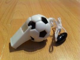 fluitje voetbal met koord prijs per  stuk