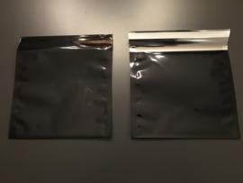 folie envelop metallic zwart gekleurd