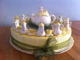 taart kop en kannetje incl groot model kannetje 27 pers