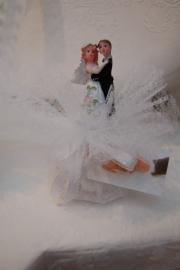 bruidspaar staand opgemaakt