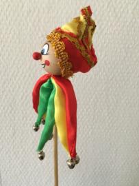 clown nar op stok rood geel groen 48 cm