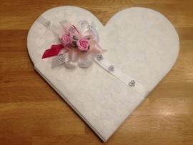 receptieboek hart vorm met hartjes print