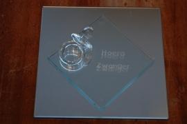 glazen speen op spiegel tekst hoera zwanger