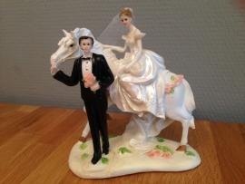 bruidspaar met paard taarttopper