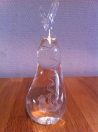 peer met baby gemaakt van glas