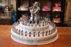 bruidspaar metalic taart