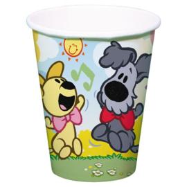 Woezel en Pip drink bekers vrolijk