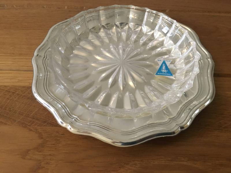 serveerschaal met glazen schaal als set