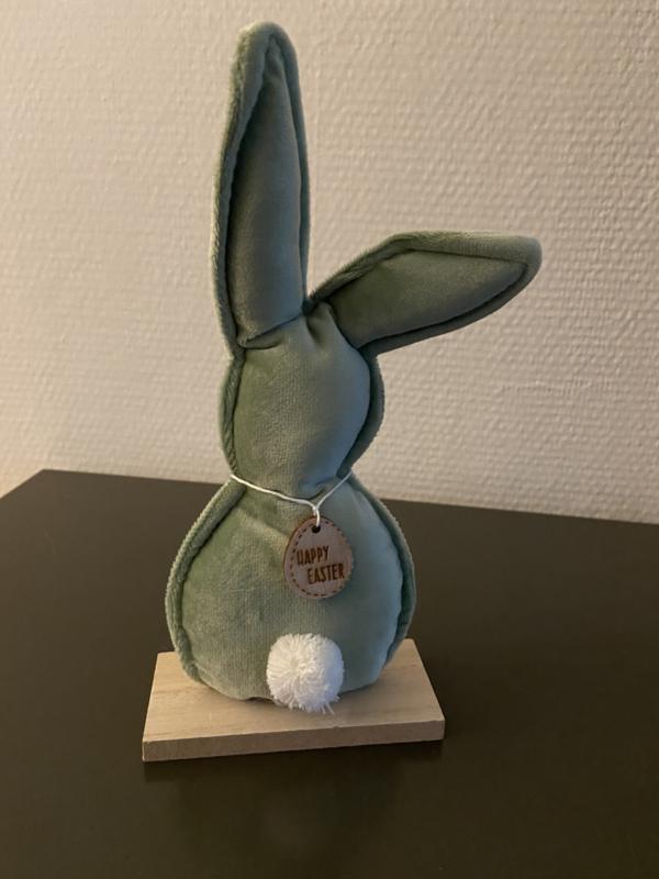 decoratie konijn fluweel groen op houten voet