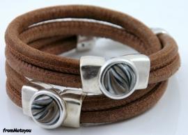 Handgemaakte leren armband bruin vintage met metalen schuivers